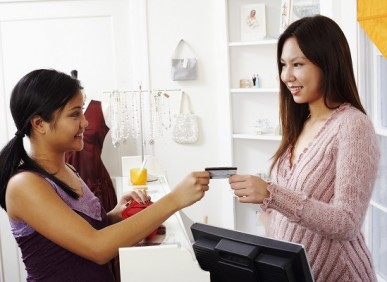 Uso da maquininha de cartão cresce entre pequenos empreendedores